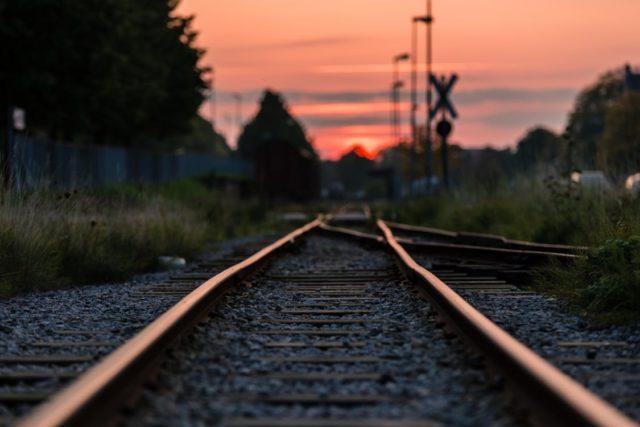 【電車が嫌いな理由】満員と優先席のストレスから解放されるために